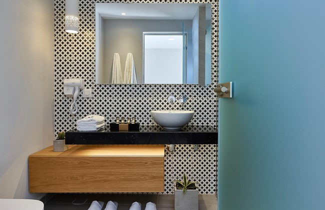 Seascape_Interior_Bathroom_04